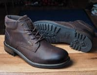 Cotswolds everyday waterproof leather laced boot.Cotswold are well known for their quality waterproof walking boots. Available from Whitchurch North Hampshire new Newbury Berkshire, Winchester Basingstoke and Andover